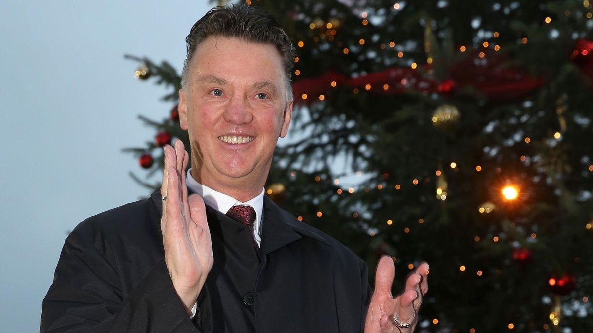 Louis Van Gaal Promises Manchester United Success In 2015