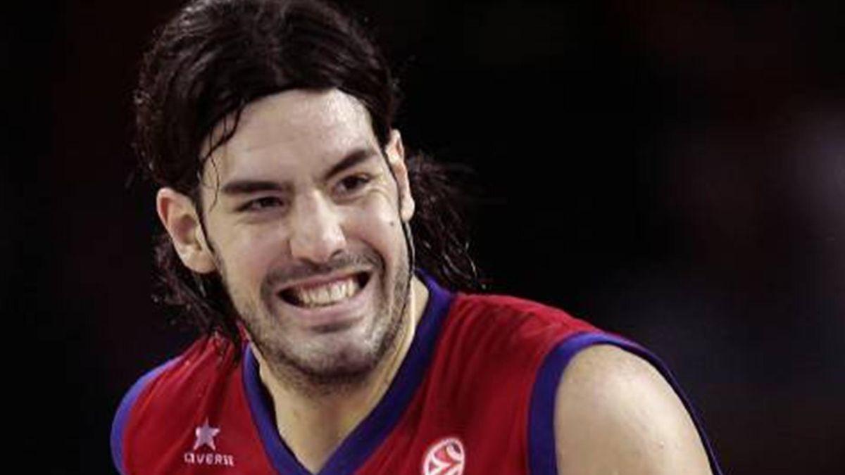 BASKETBALL Luis Scola Tau Vitoria Baskonia 2005-2006