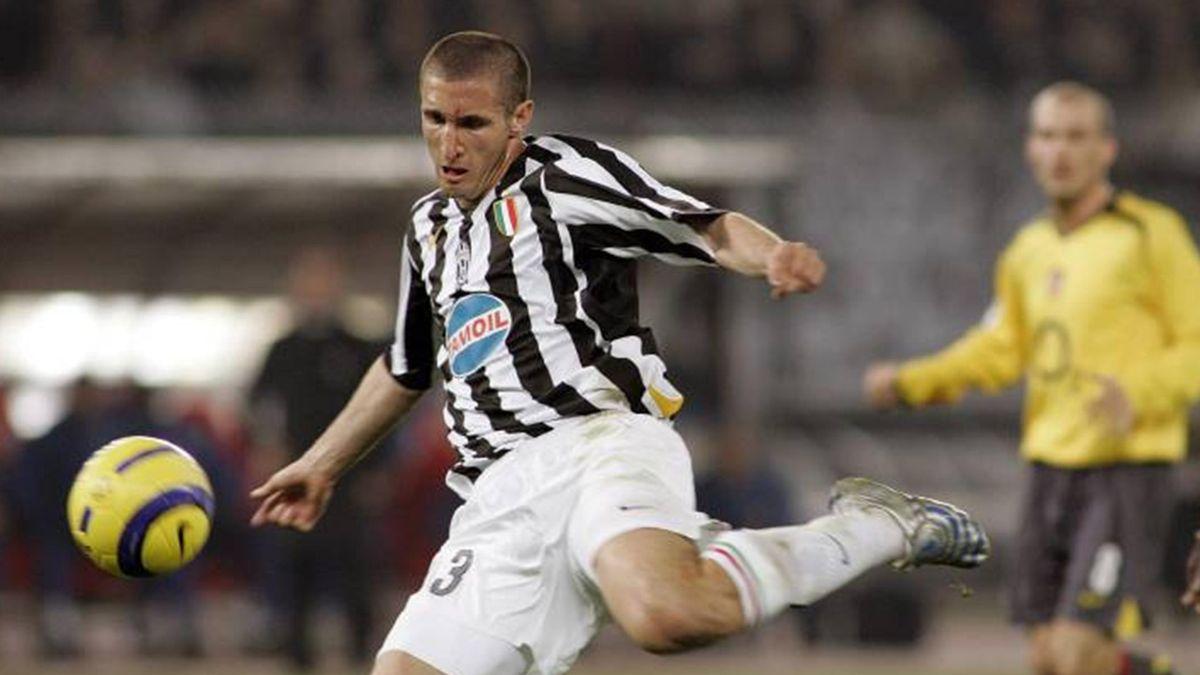 FOOTBALL 2005-2006 Serie A Juventus Chiellini