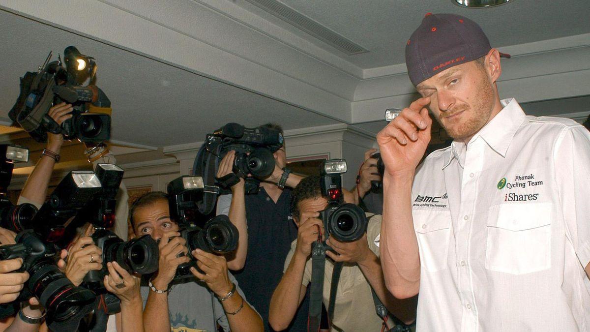 CYCLING 2006 Tour de France Phonak Landis Press Conference