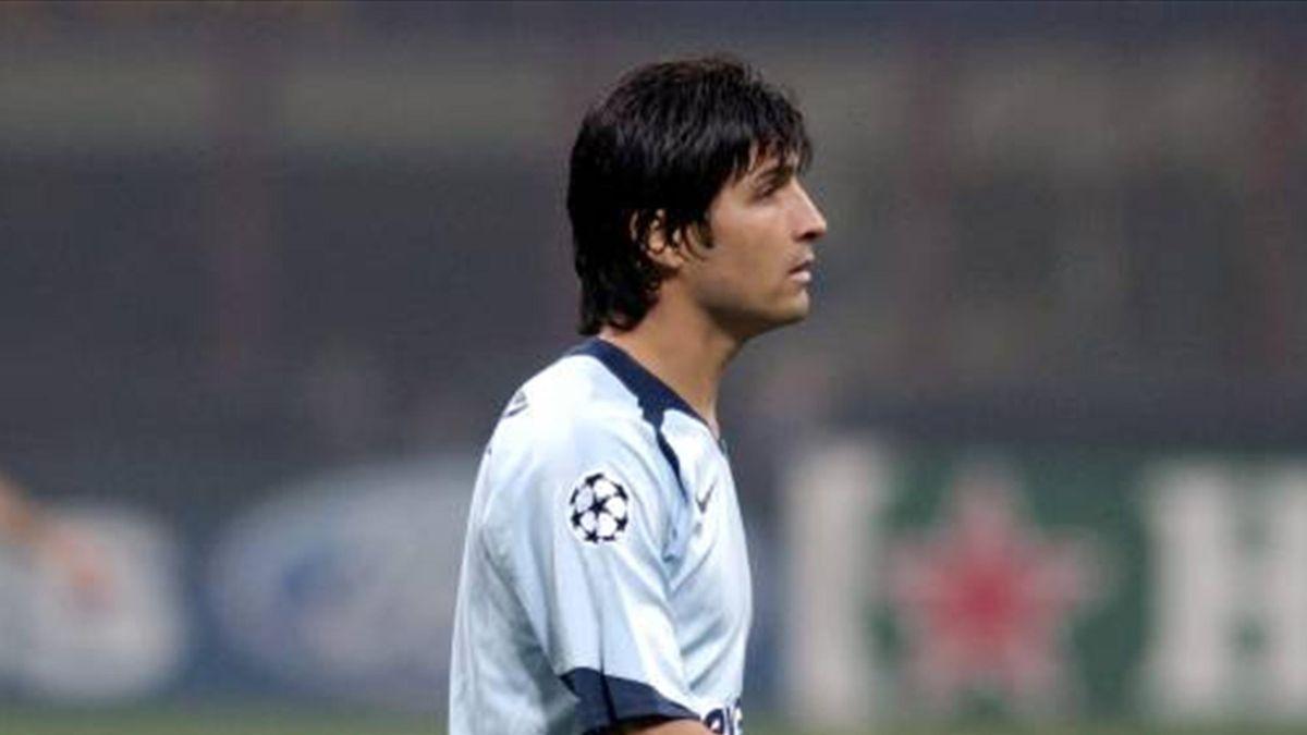 FOOTBALL 2005-2006 Portugal - Superliga Porto captain Pedro Emanuel