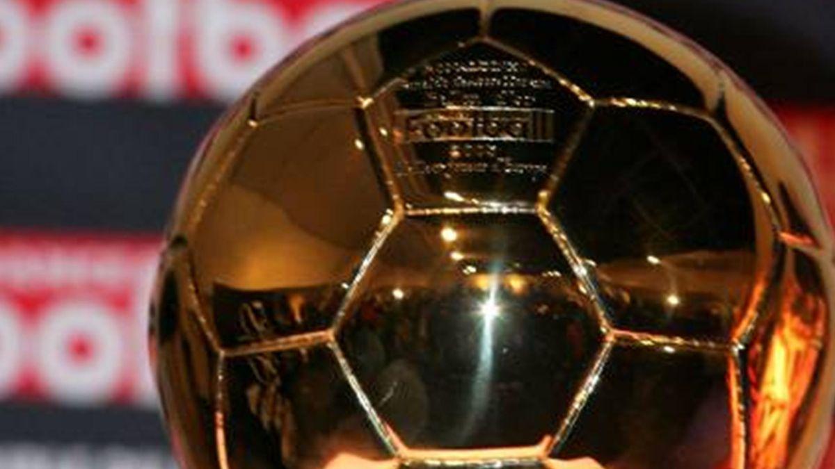 FOOTBALL ballon d'or award trophy