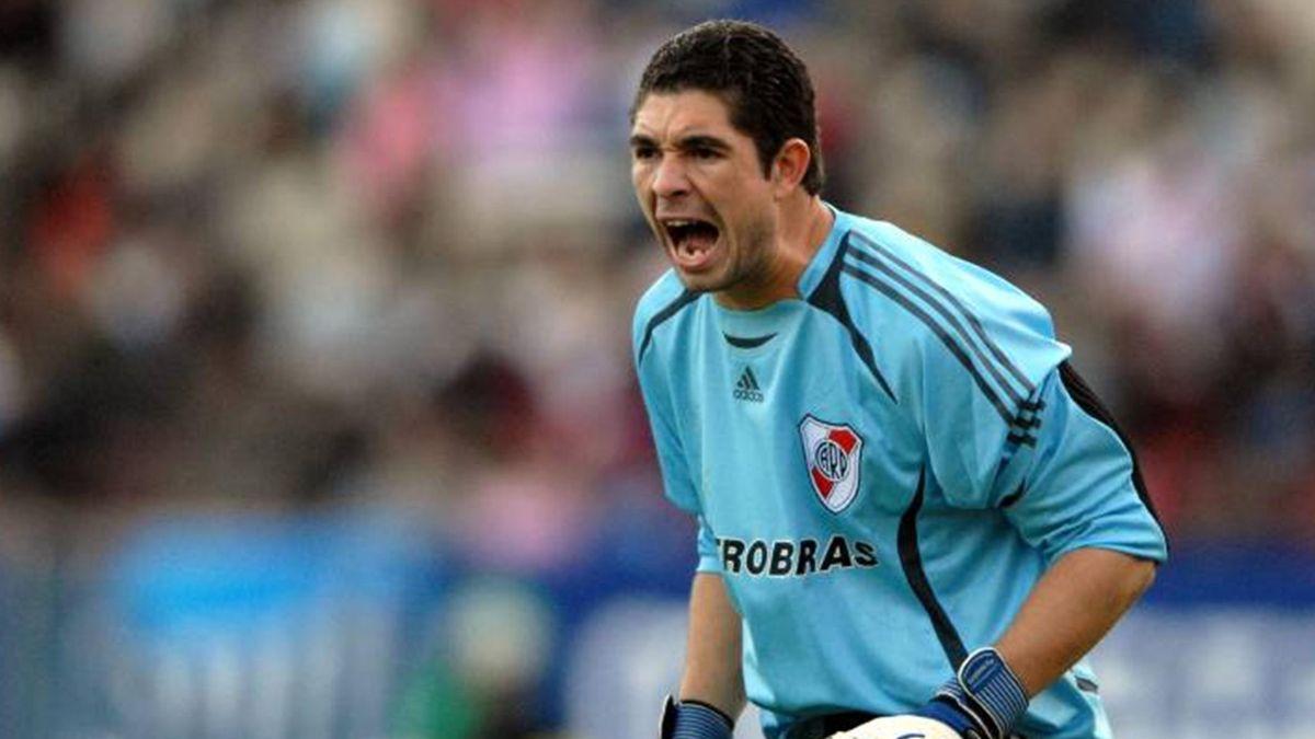 FOOTBALL 2007-2008 El Zaragoza sigue los pasos de Carrizo