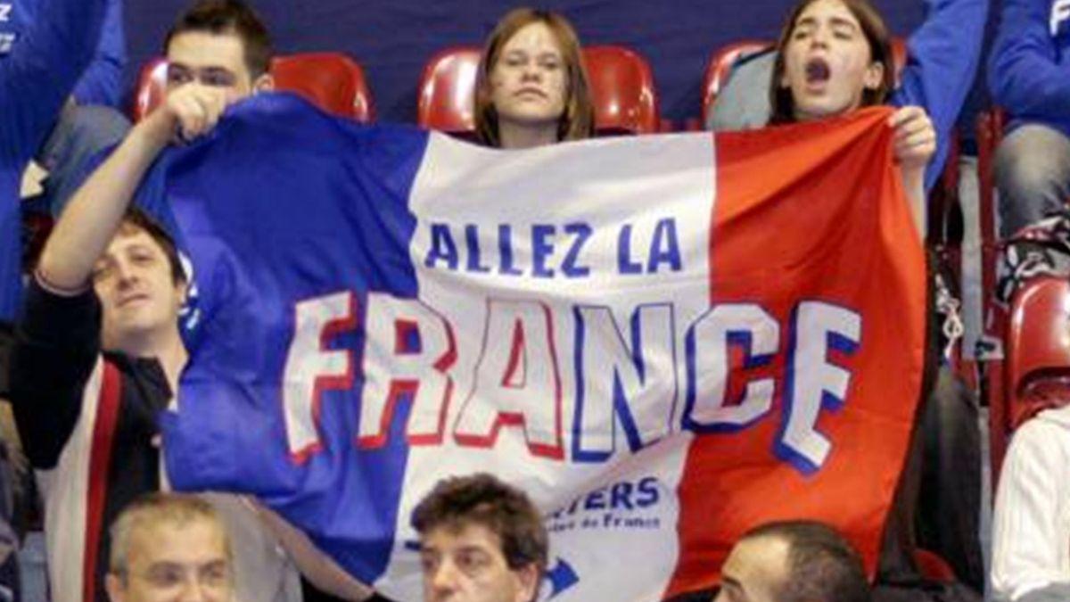 HANDBALL France fans