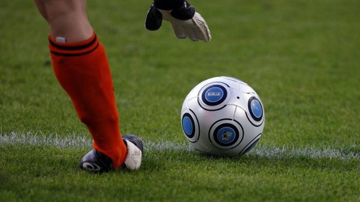 FOOTBALL women ball