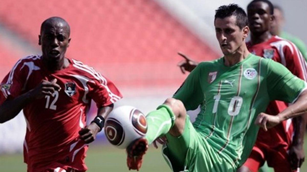 FOOTBALL 2009 Malawi-Algeria (Saifi)