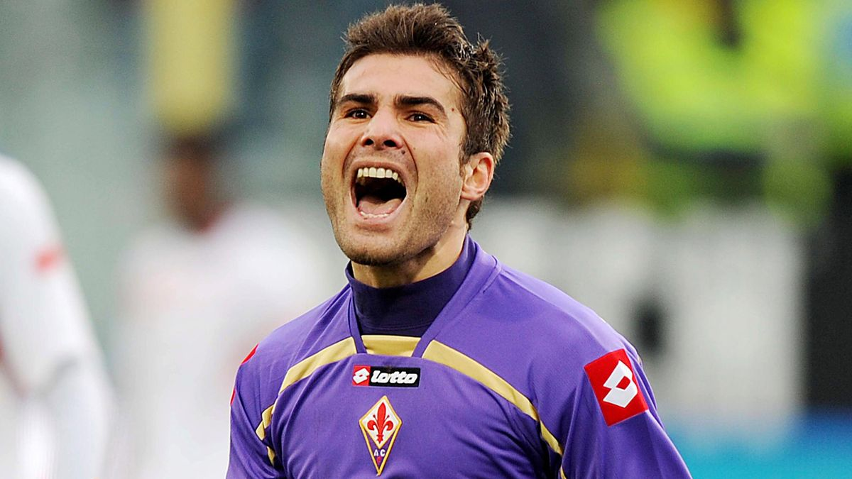 AC Fiorentina's Adrian Mutu celebrates after scoring against AS Bari during the Italian Serie A soccer match at Artemio Franchi stadium in Florence, Italy, 10 January 2010. Fiorentina won 2-1