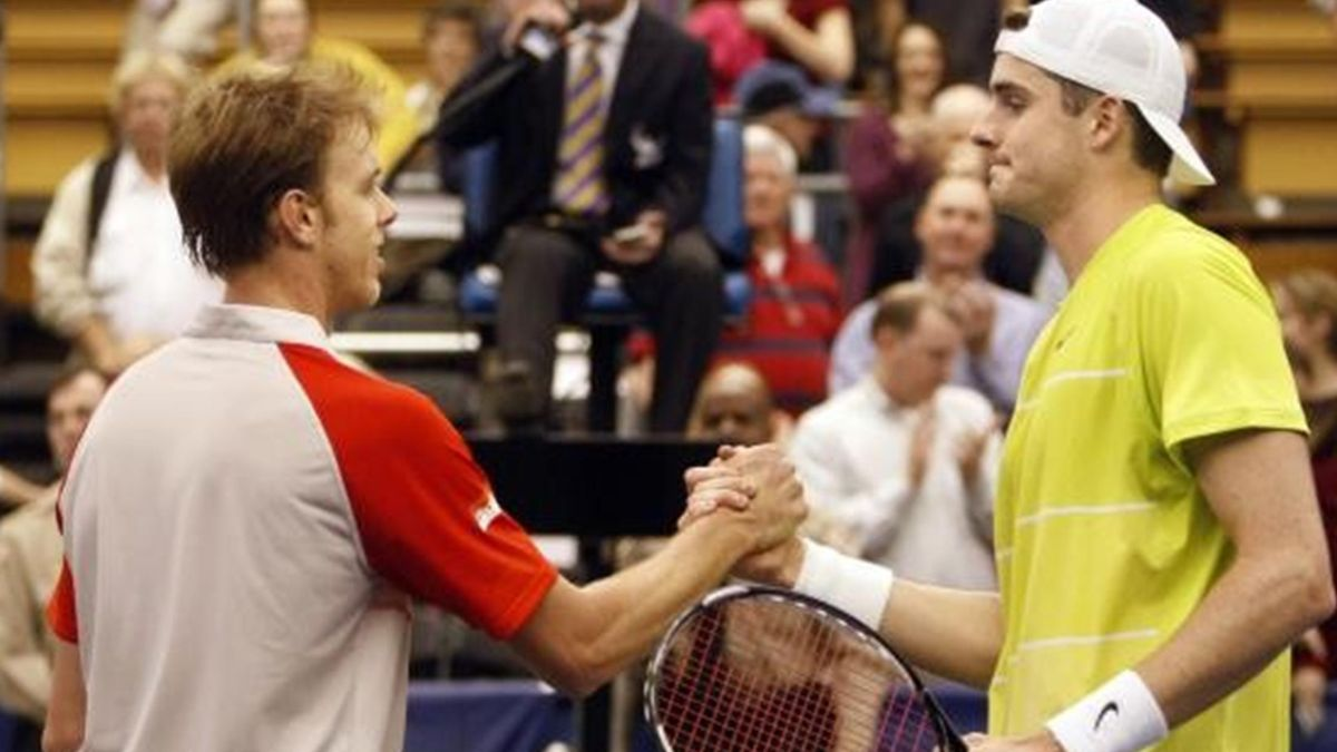 Sam Querrey (left) and John Isner (right) at the ATP Memphis final