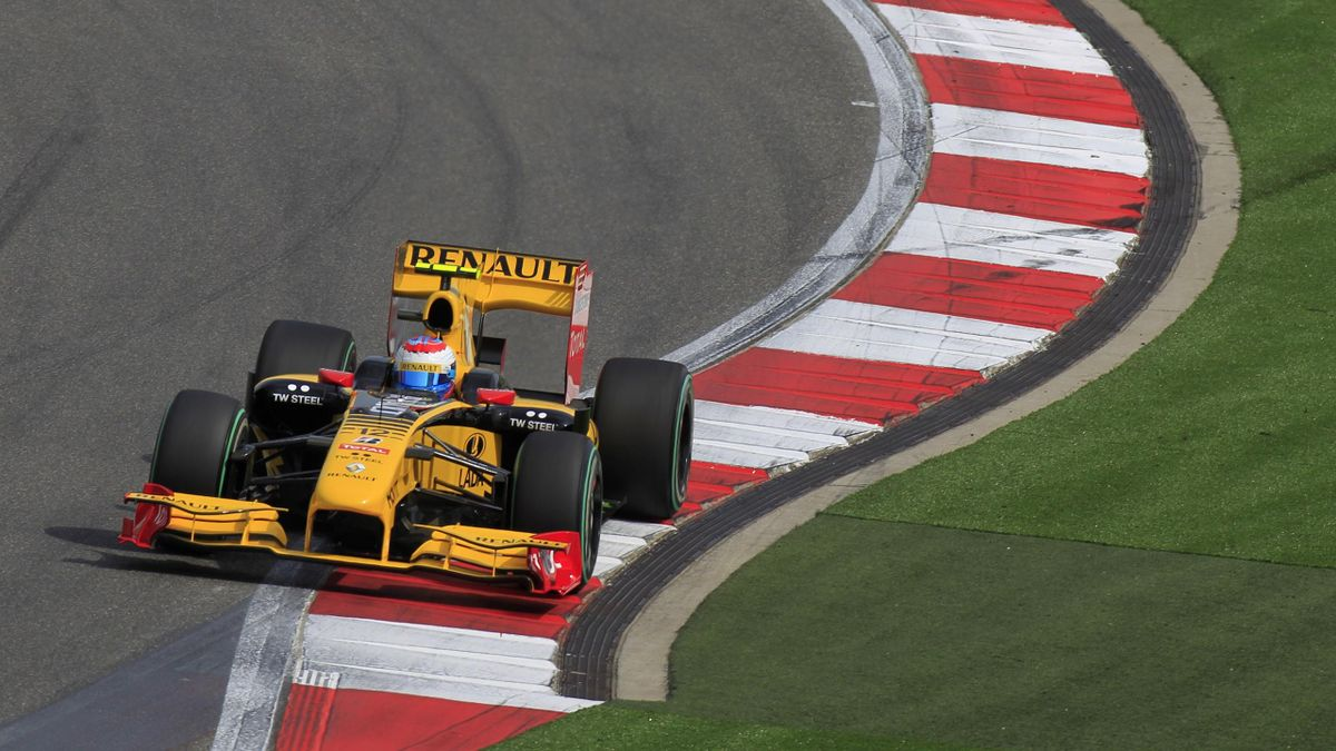 2010 Chinese GP Renault Petrov