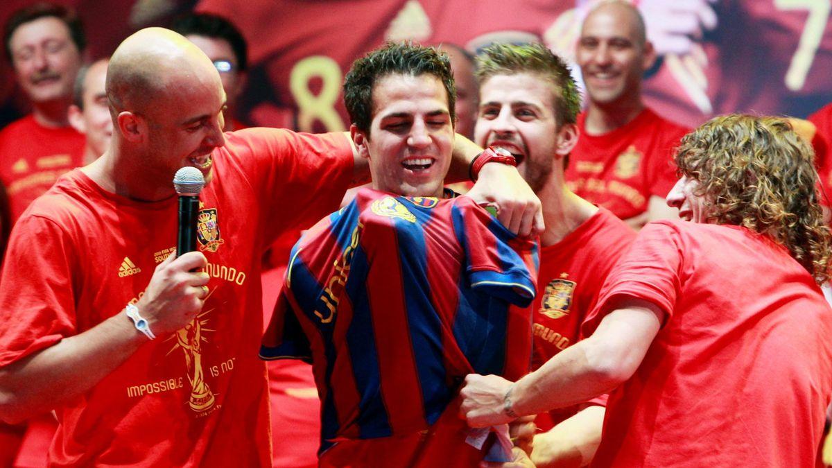 2010 Cesc Fabregas wears Barcelona shirt at Spain's World Cup celebrations