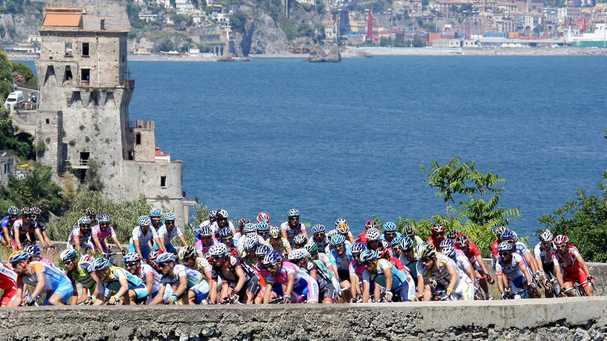 The pack of riders cycle during the 164-km 19th stage of the Giro d'Italia from Avellino to Vesuvio