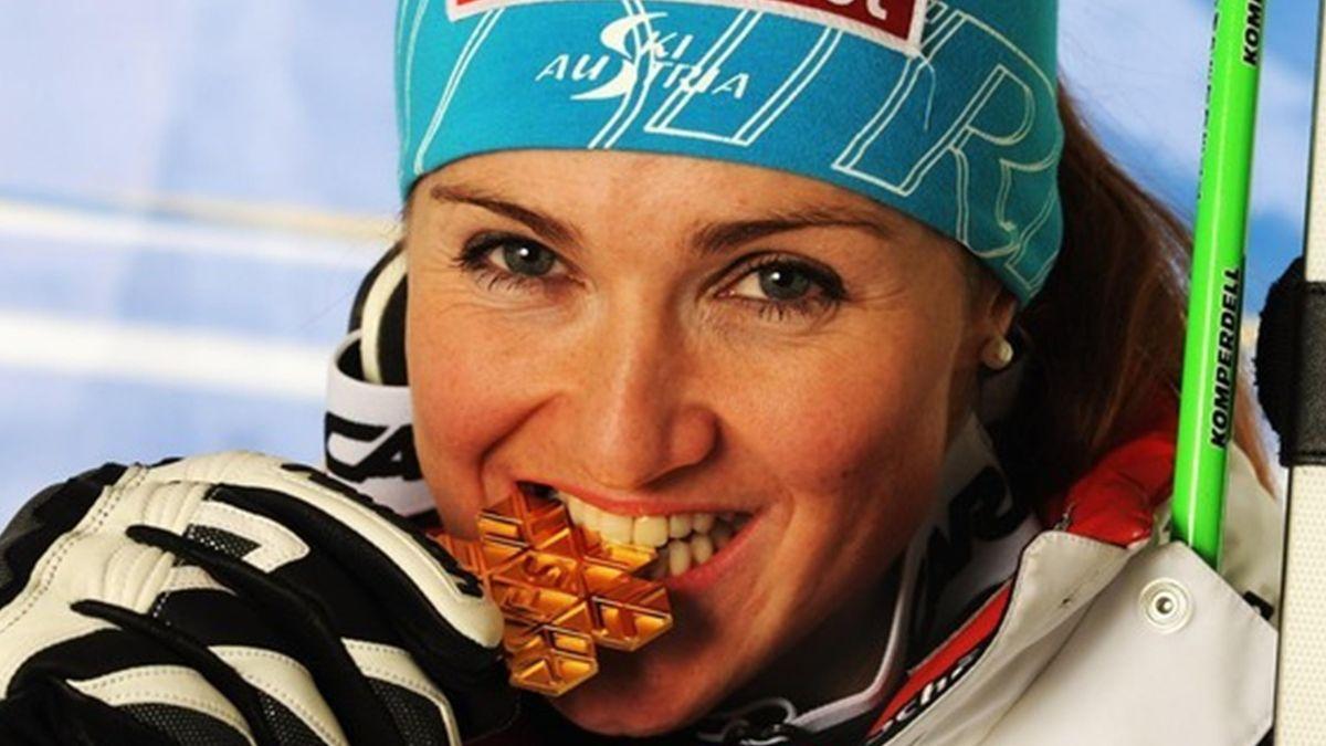 ALPINE SKIING 2010-2011 Elisabeth Goergl