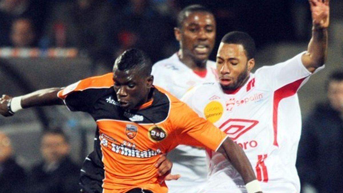 FOOTBALL 2011 Lorient-Nancy (Kitambala et Loties)