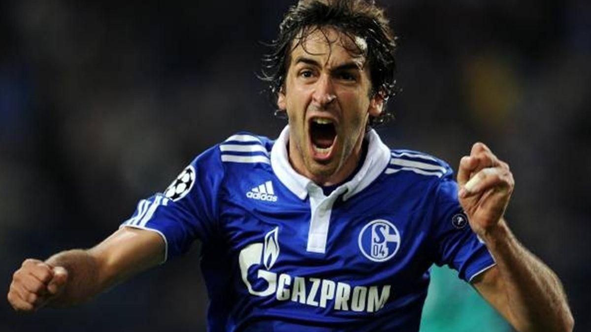 Raul - Schalke 04-Inter (Champions League 2010-2011)