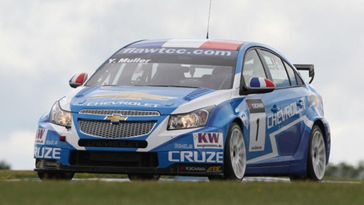 FIA WTCC Yvan Muller of Chevrolet in qualifying at Donington Park