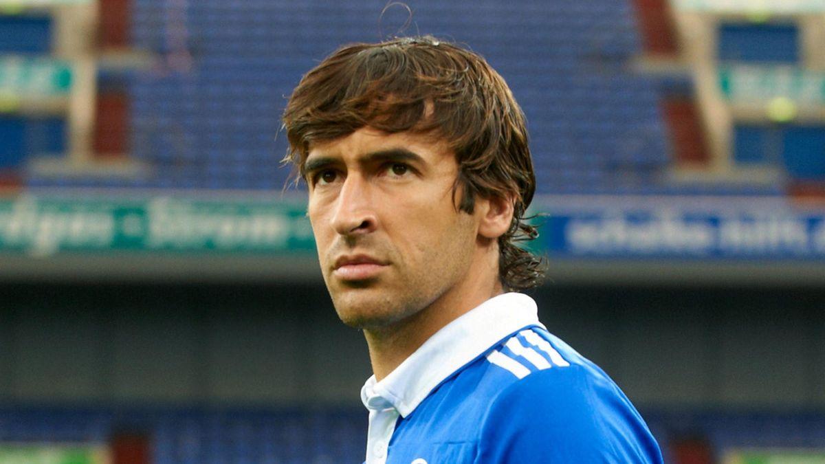 2011-2012 Football Bundesliga Schalke 04 Raul