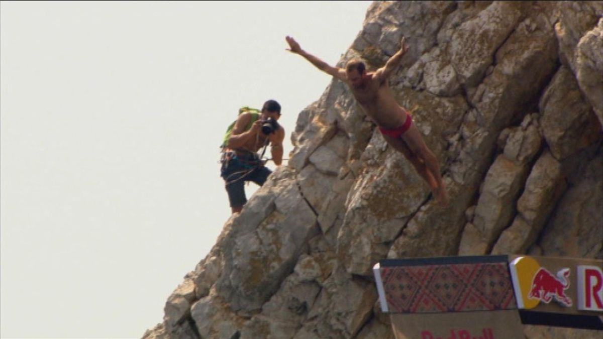 0305_Bonus: Cliff Diving