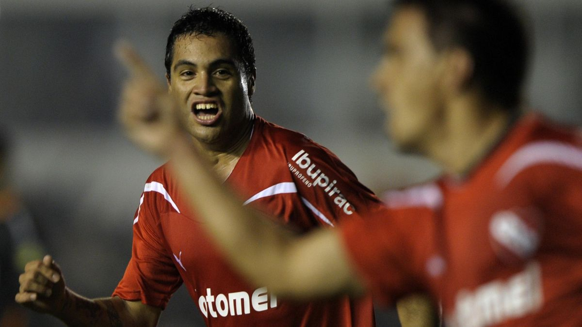 FOOTBALL 2011 Independiente - Julian Velazquez