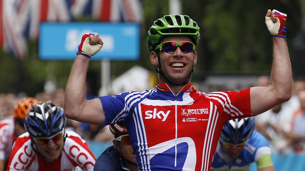 Mark Cavendish wins the London-Surrey Cycle Classic test event (Reuters)