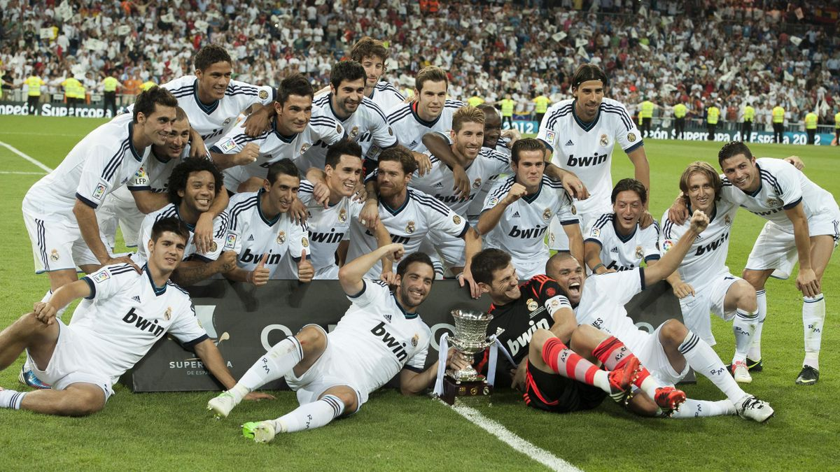 FOOTBALL 2012 Supercoupe d'Espagne - Real Madrid (trophée)