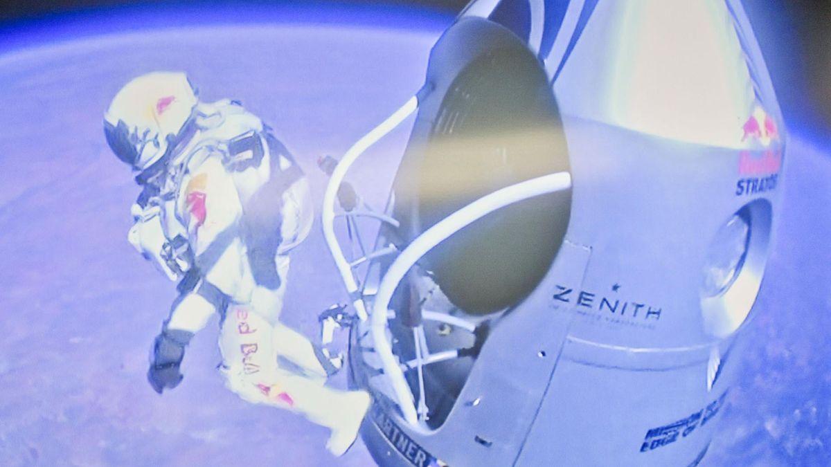 Felix Baumgartner stratos red bull 2012