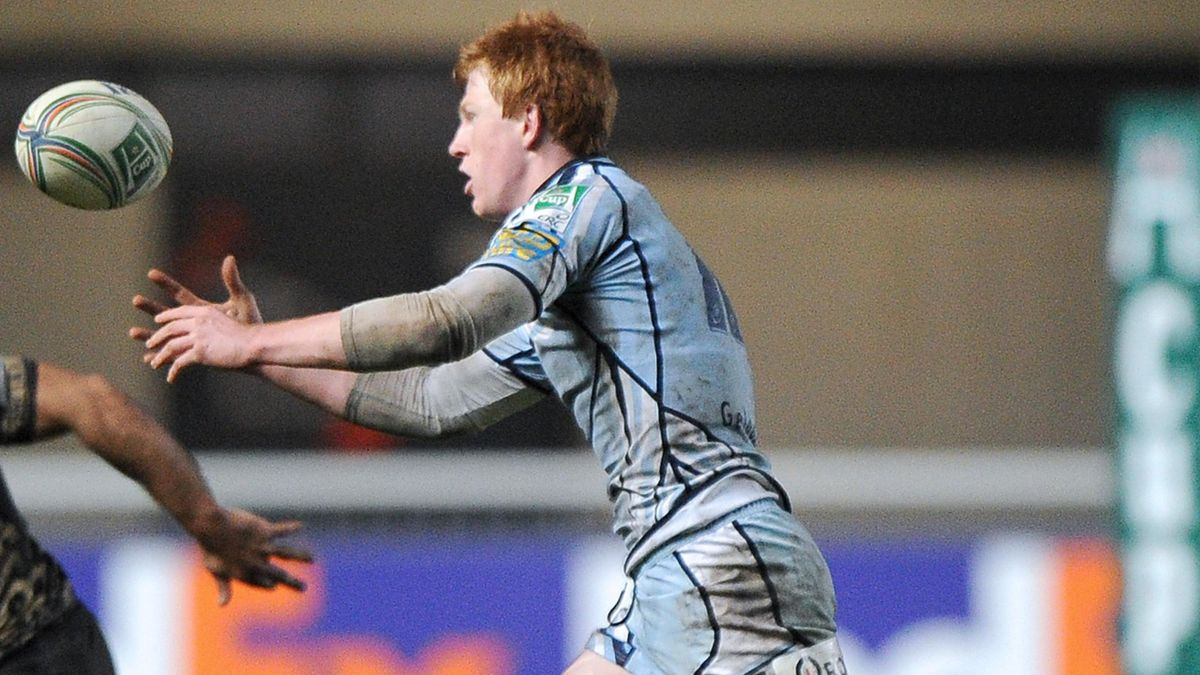 Cardiff's Rhys Patchell passes the ball