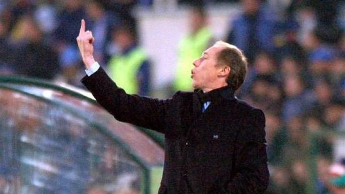 Roberto Néstor Sensini, en su etapa en el Udinese
