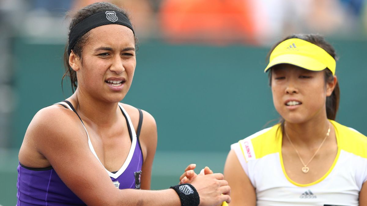 Heather Watson of Great Britain shakes hands with Ayumi Morita of Japan after losing her match at the Crandon Park Tennis Center during Day 2 of the Sony Open (AFP)