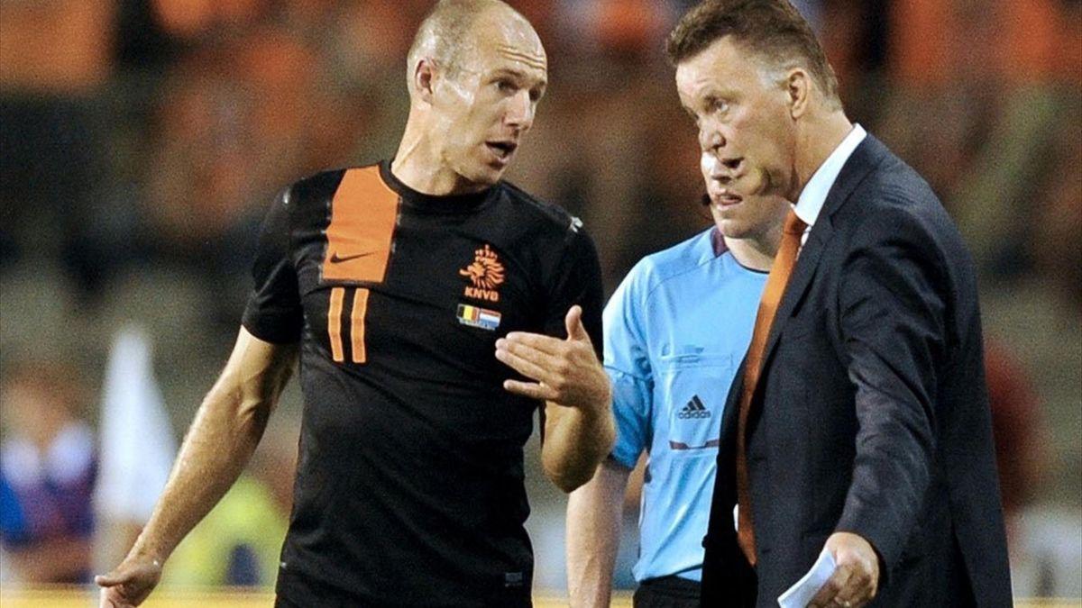 Louis van Gaal weist Arjen Robben zurecht