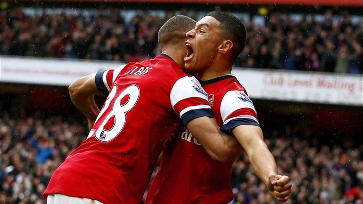 Kieran Gibbs y Alex Oxlade-Chamberlain (Arsenal)