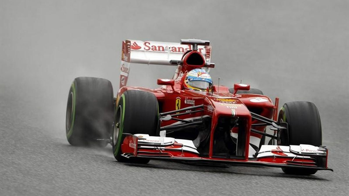 Alonso durante la primera sesión en Montmeló