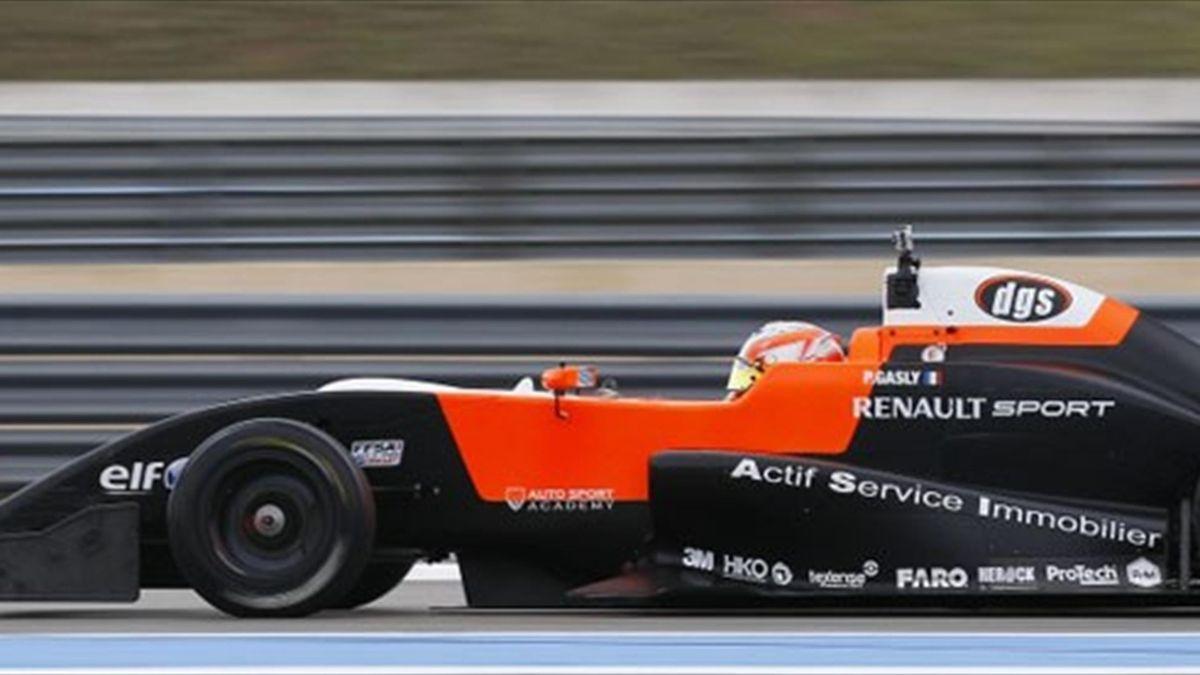 Pierre Gasly, Formel Renault 2.0, 2013