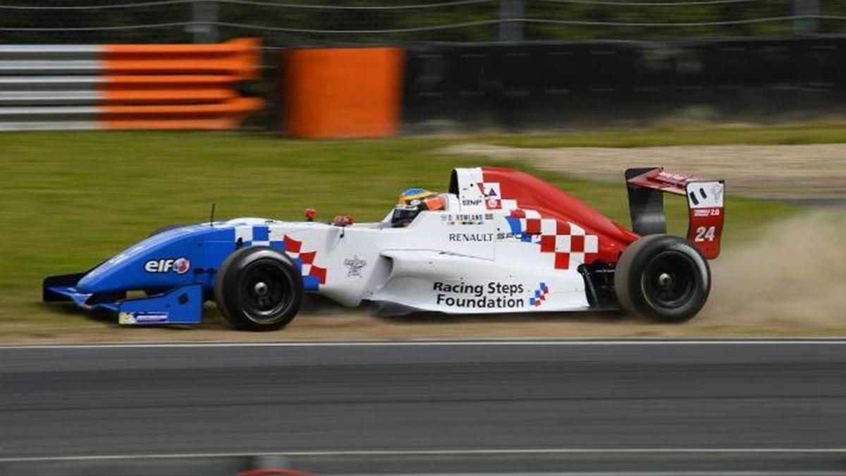 Oliver Rowland, Formel Renault 2.0 2013