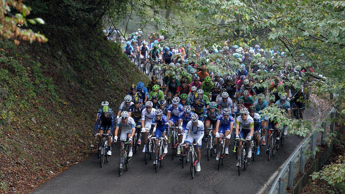 2013, Giro di Lombardia, gruppo (AP/Lapresse)