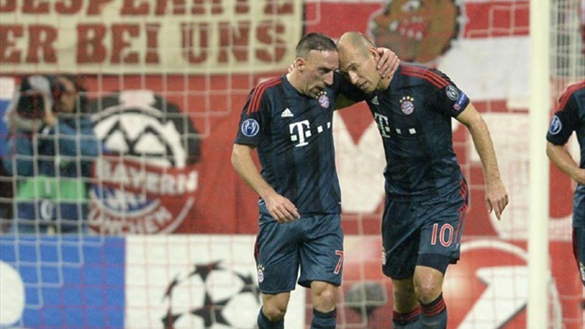 Bayern Munich's French midfielder Franck Ribery (L) and Dutch midfielder Arjen Robben (AFP)