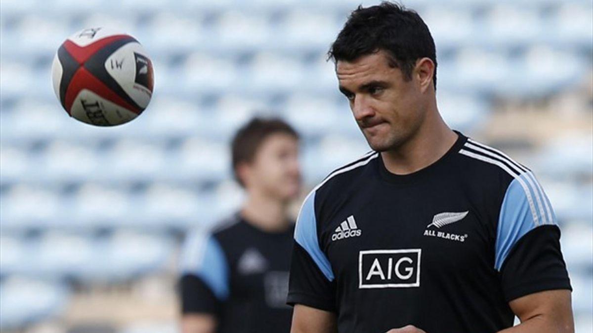 New Zealand fly-half Daniel Carter (Reuters)
