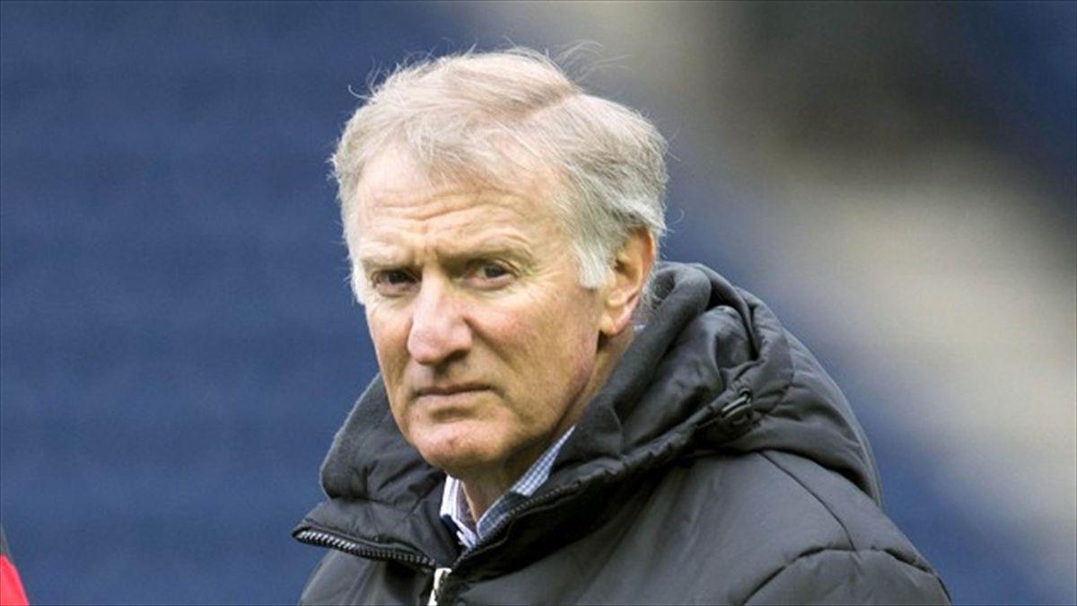 Edinburgh head coach Alan Solomons has tied up three new signings