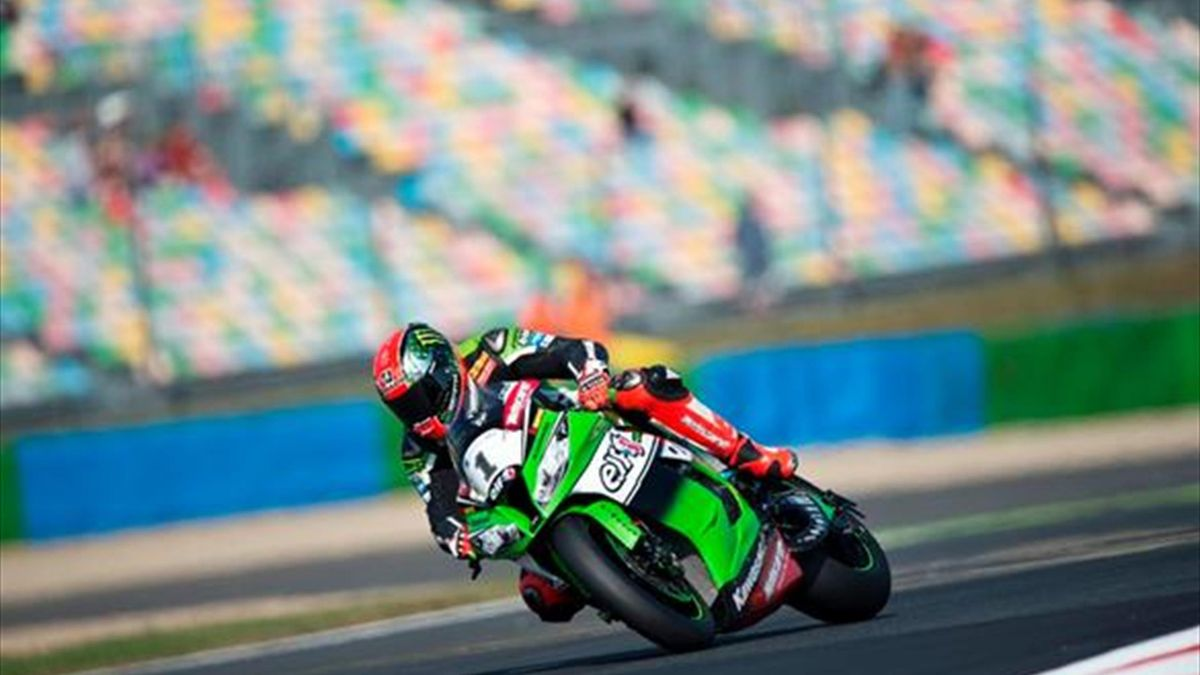 Magny-Cours WSBK: Sykes bags pole with outright lap record