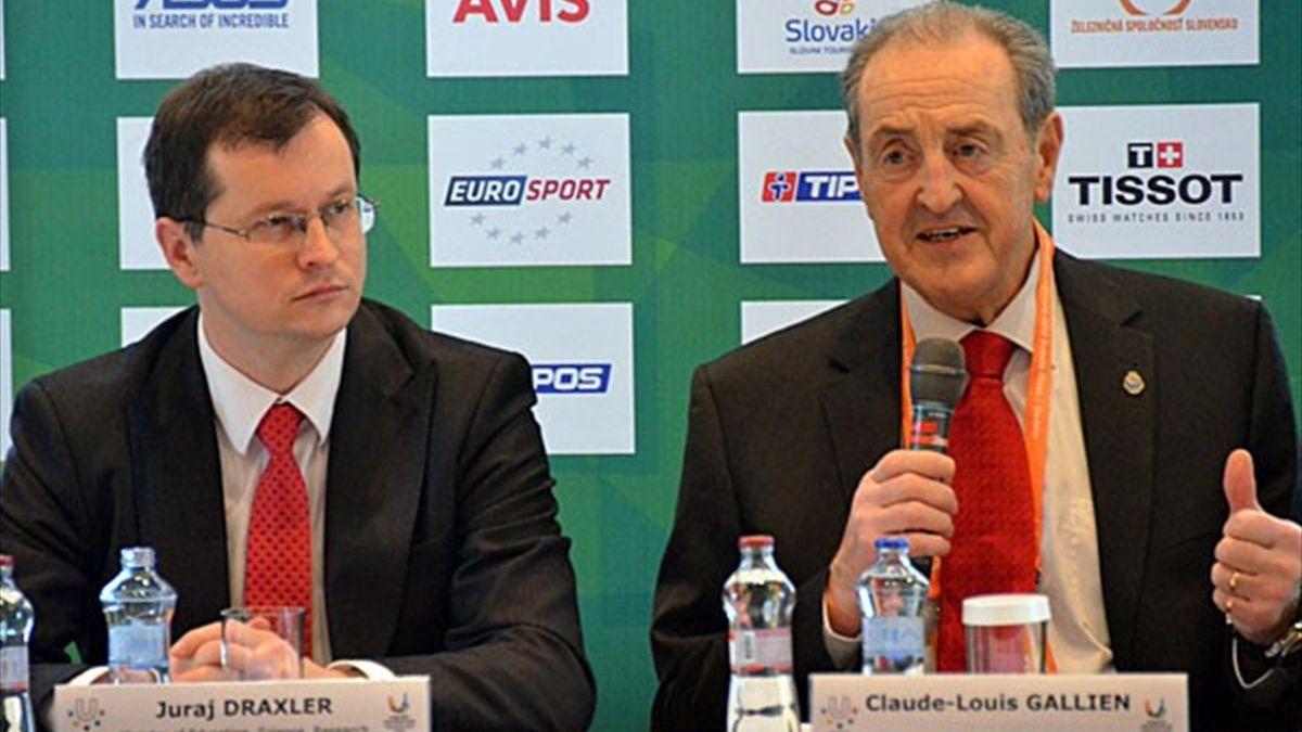 FISU Präsident Claude-Louis Gallien spricht vor der 27. Winter Universiade.