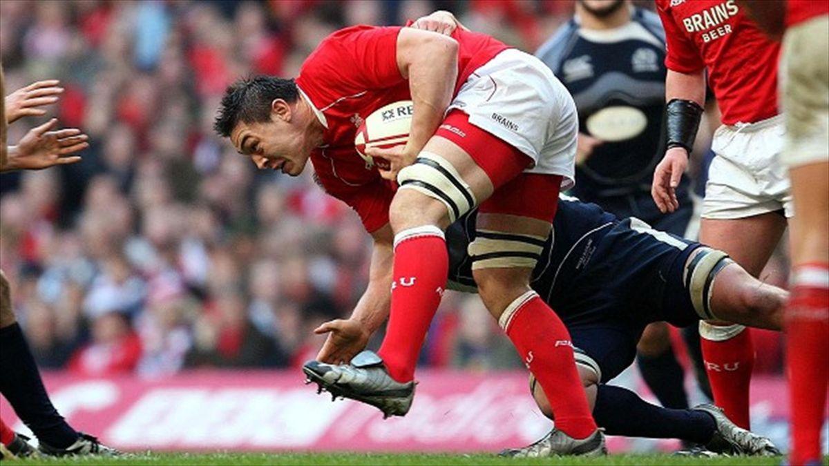 Wales international back-row forward Gareth Delve is heading home