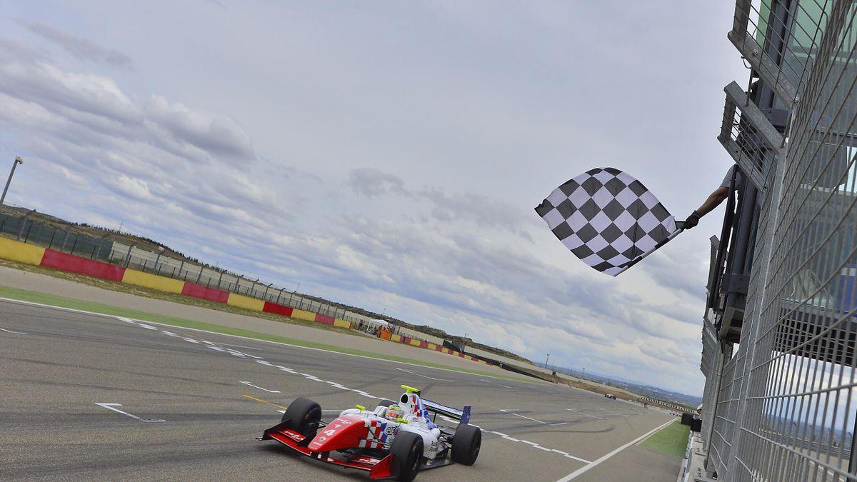 Oliver Rowland (Fortec Motorsports)