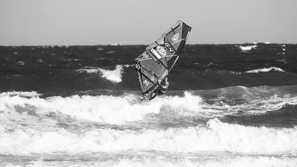 Windsurfen Symbolbild: imago
