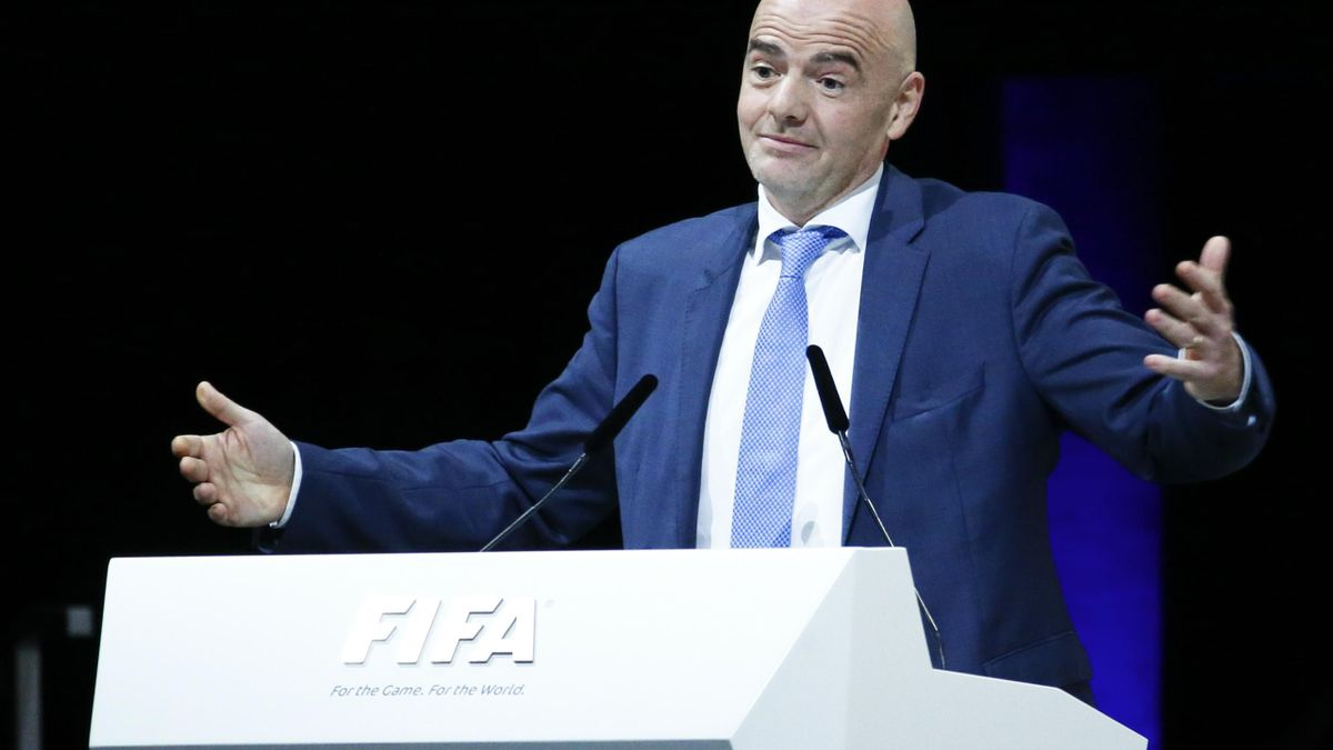 Newly elected FIFA President Gianni Infantino gestures as he speaks during the Extraordinary Congress in Zurich, Switzerland February 26, 2016. Swiss football executive Gianni Infantino vowed on Friday to lead FIFA, the sport's world governing body, out