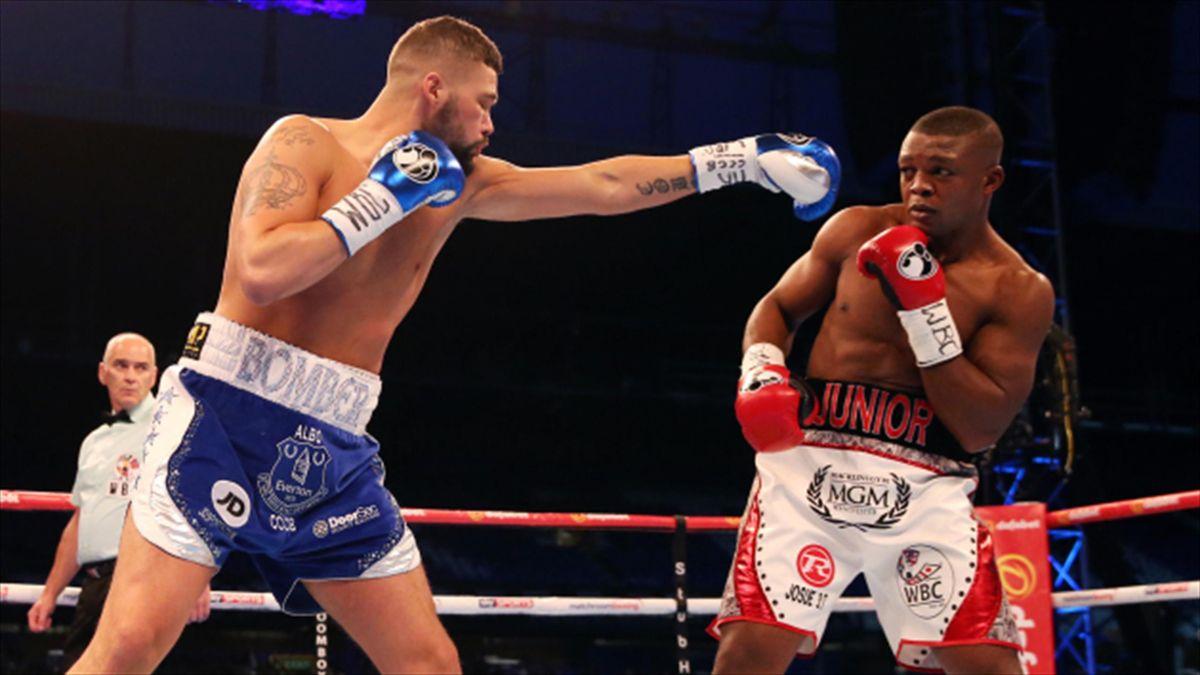 Tony Bellew, left, defeated Ilunga Makabu to win the WBC Cruiserweight World Championship