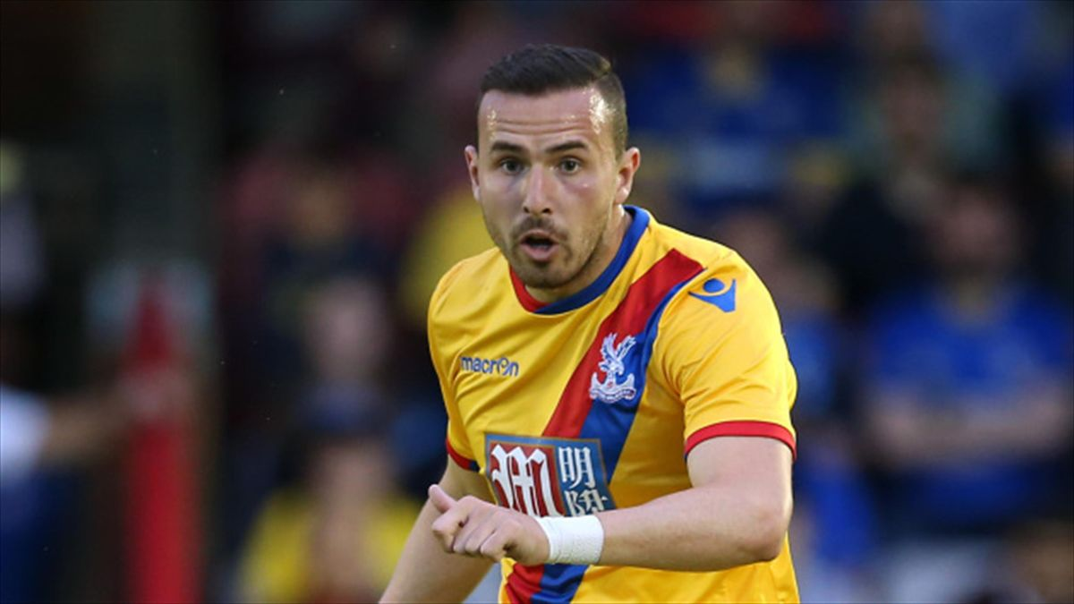 Jordon Mutch will spend the rest of the season with Reading