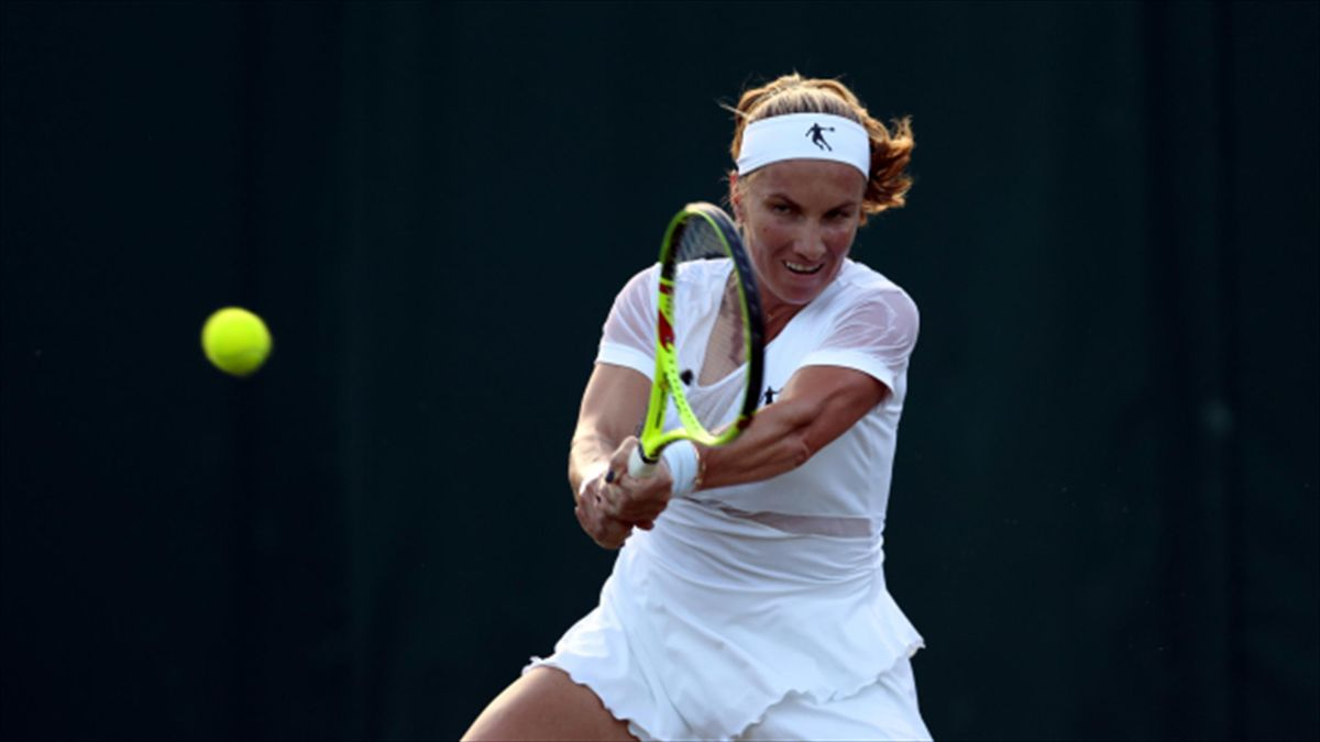 Svetlana Kuznetsova's hopes of qualifying for the WTA Finals took a hit with defeat in Wuhan