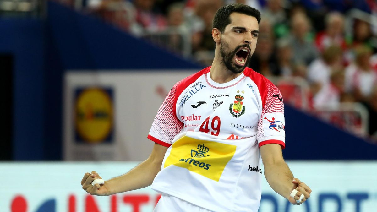 España celebra un gol ante Francia en el Europeo