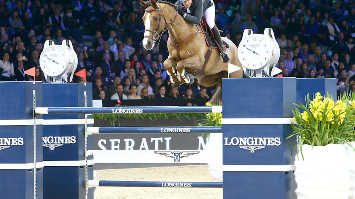 Patrice Delaveau siegt bei den Longines Masters in Hong Kong