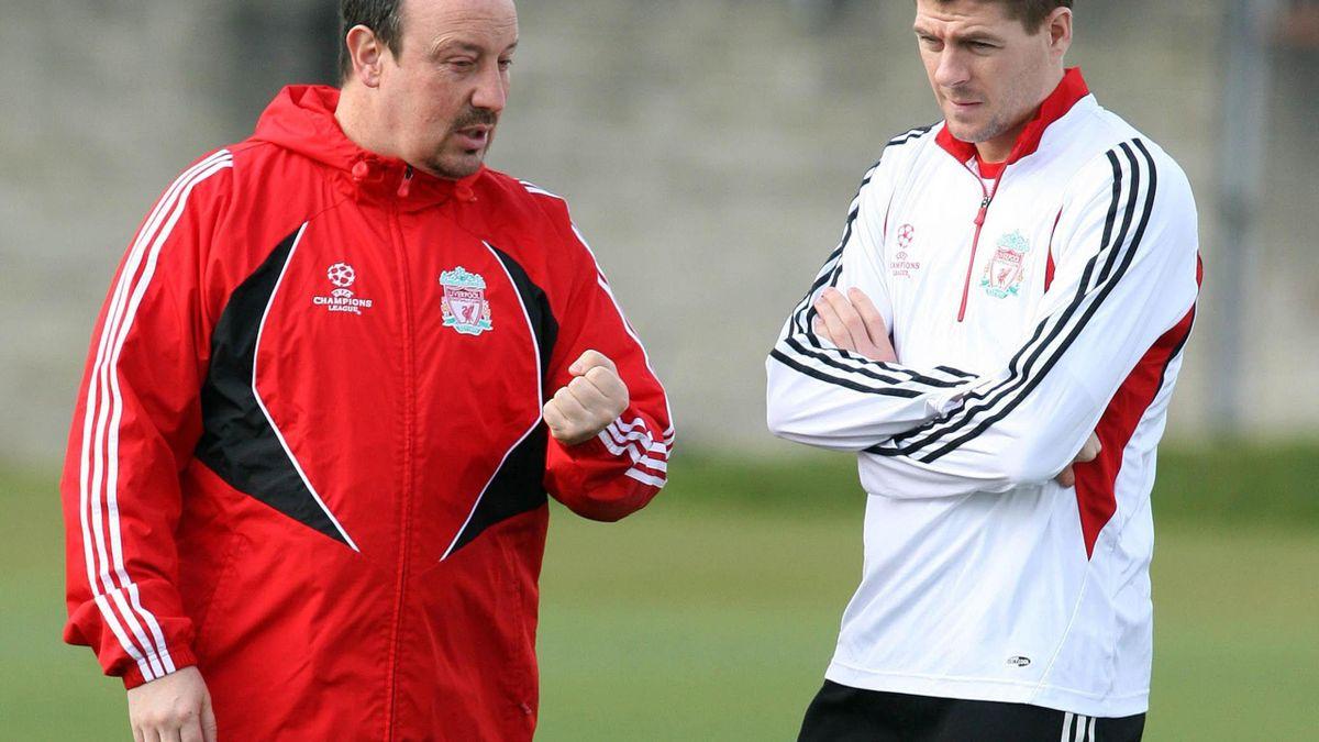 Steven Gerrard și Rafa Benitez