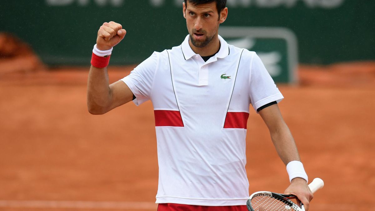 Novak Djokovic schafft den Sprung ins Achtelfinale